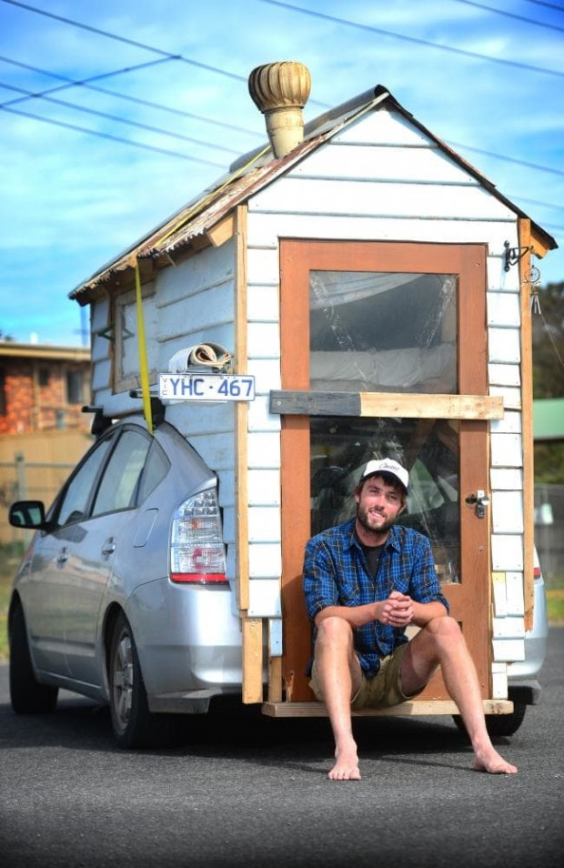Man builds hybrid mini-motorhome on top of his Prius